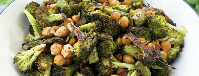 Roasted black pepper broccoli with chick peas and asparagus